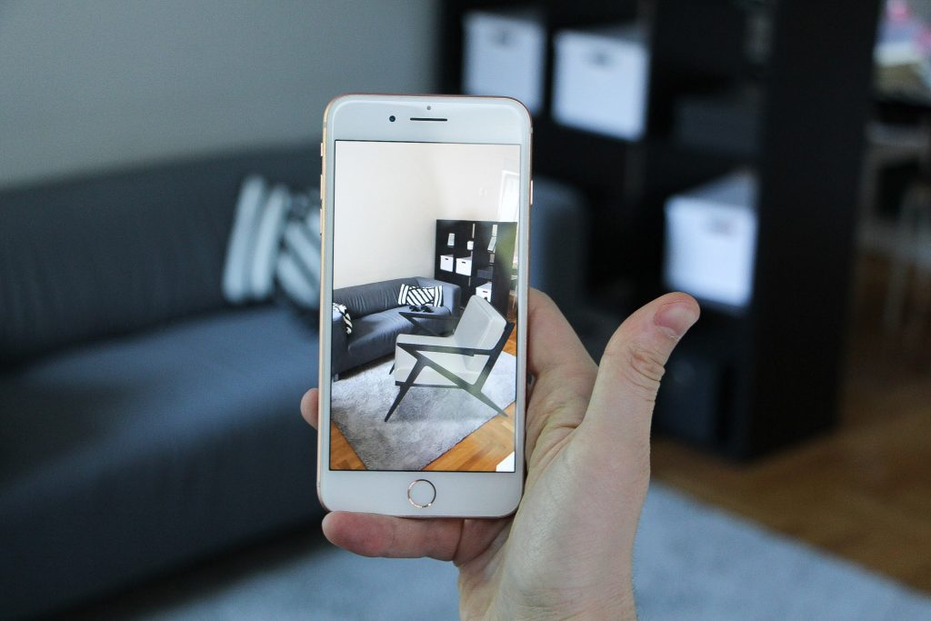 Augmented Reality: How AR Improves E-Commerce?