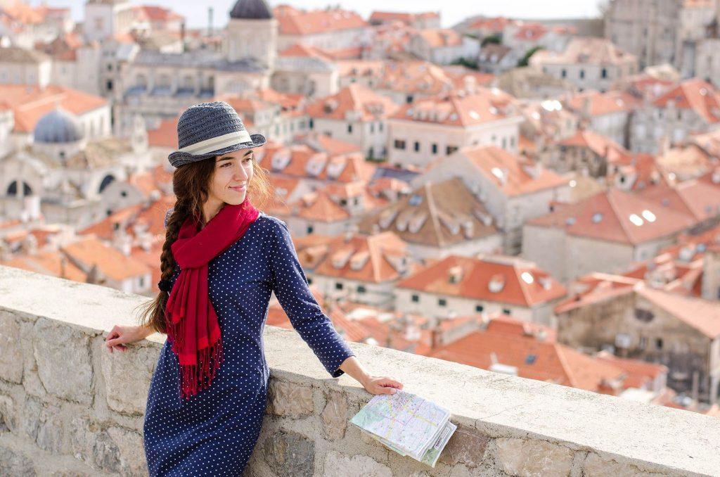 dubrovnik tourist croatia digital nomad